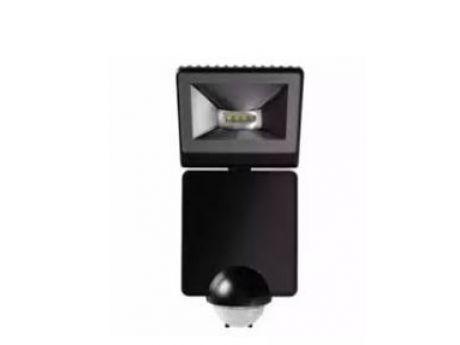 REFLEKTOR LED LUXA 102 8W 430lm ČRN IP44 S SENZORJEM